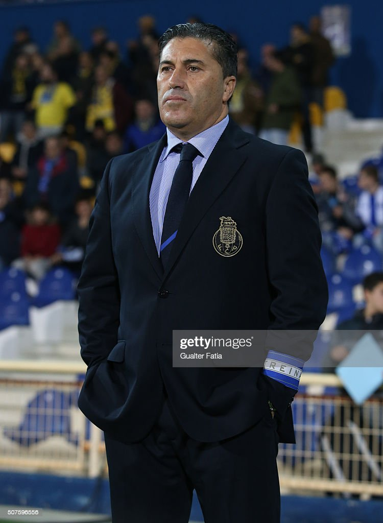 FC Porto's coach <a gi-track='captionPersonalityLinkClicked' href=/galleries/search?phrase=Jose+Peseiro&family=editorial&specificpeople=2204654 ng-click='$event.stopPropagation()'>Jose Peseiro</a> before the start of the Primeira Liga match between GD Estoril Praia and FC Porto at Estadio Antonio Coimbra da Mota on January 30, 2016 in Estoril, Portugal.