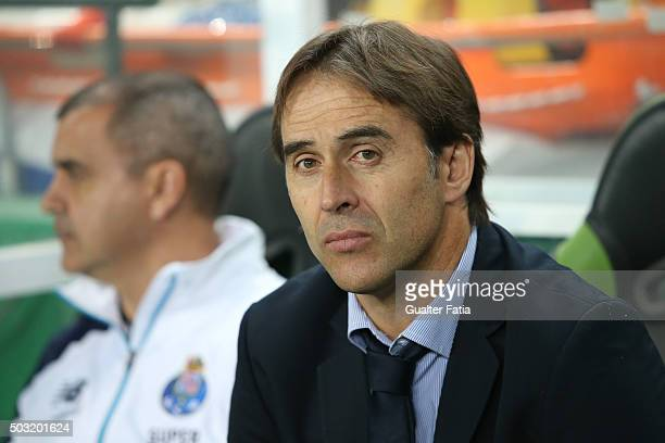 Porto's coach Julen Lopetegui during the Primeira Liga match between Sporting CP and FC Porto at Estadio Jose Alvalade on January 2 2016 in Lisbon...