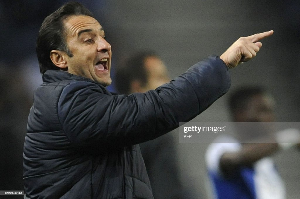 FC Porto's coach Vitor Pereira reacts during the UEFA Champions League group A football match FC Porto against GNK Dinamo Zagreb on November 21, 2012, at Dragao Stadium in Porto.