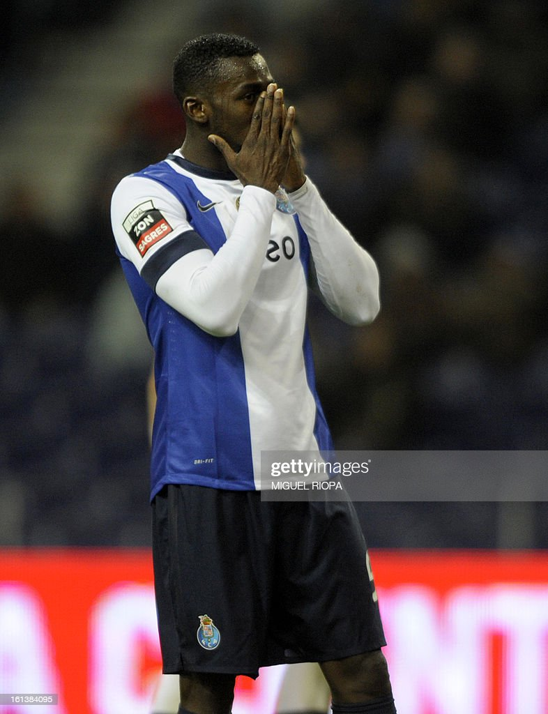 Porto's Colombian forward Jackson Martinez reacts after missing agoal opportunity on a penalty kick during the Portuguese first league football match FC Porto vs Olhanense at the Dragao Stadium in Porto, on February 10, 2013. The match ended in a draw 1-1.