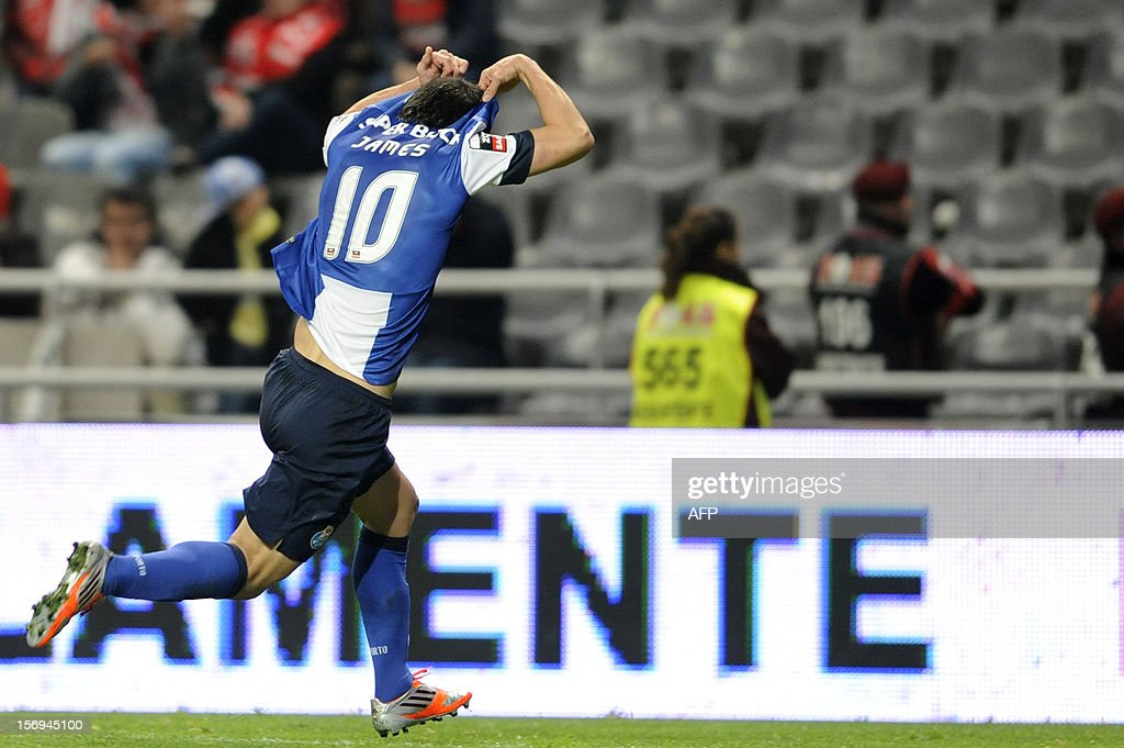 FC Porto's Colombian forward James Rodriguez celebrates after scoring the Portuguese League football match Braga vs Porto, on November 25, 2012 , at Axa Municipal Stadium in Braga. AFP PHOTO / FERNANDO VELUDO