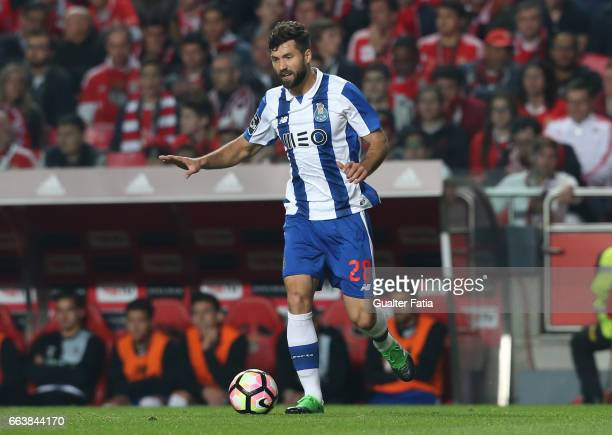 Porto's defender from Brazil Felipe in action during the Primeira Liga match between SL Benfica and FC Porto at Estadio da Luz on April 1 2017 in...