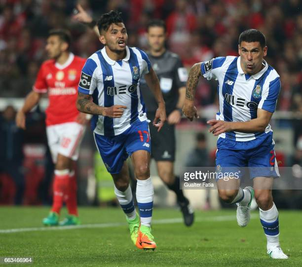 Porto's defender from Uruguay Maxi Pereira celebrates after scoring a goal during the Primeira Liga match between SL Benfica and FC Porto at Estadio...