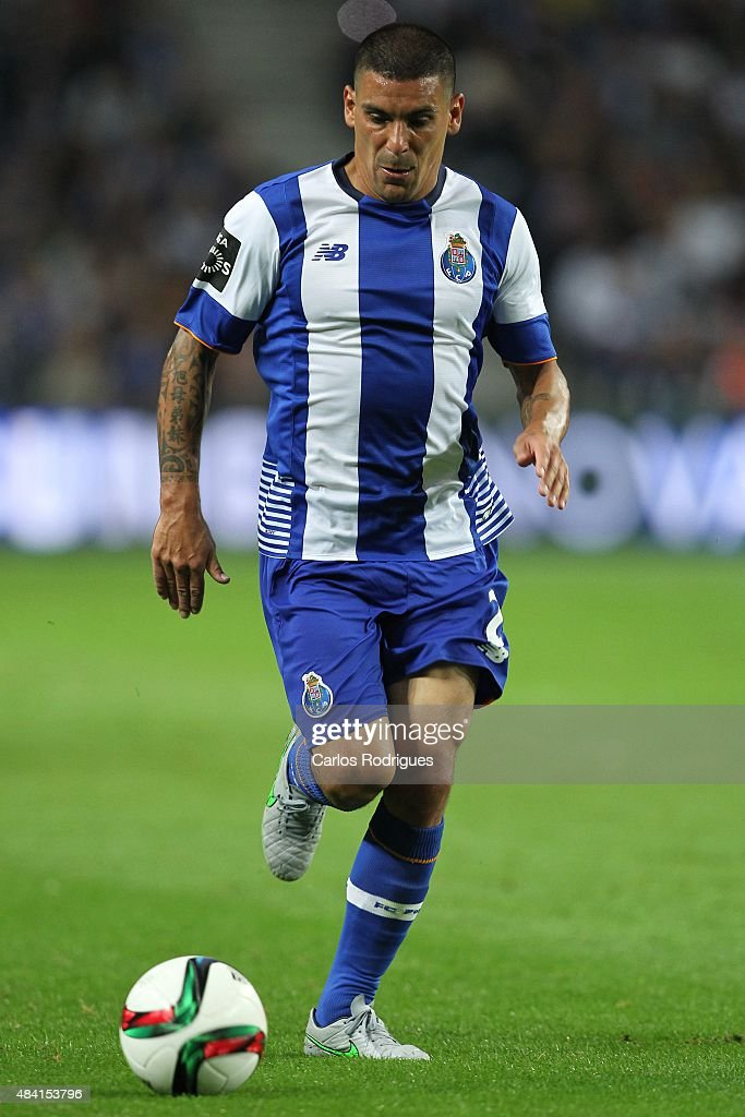 Porto's defender <a gi-track='captionPersonalityLinkClicked' href=/galleries/search?phrase=Maxi+Pereira&family=editorial&specificpeople=4500885 ng-click='$event.stopPropagation()'>Maxi Pereira</a> during the match between FC Porto and Vitoria Guimaraes for the Portuguese Primeira Liga at Estadio do Dragao on August 15, 2015 in Porto, Portugal.