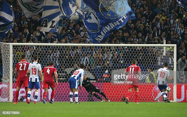 Porto's forward Andre Silva scores goal from the penalty spot during the UEFA Champions League match between FC Porto and Leicester City FC at...