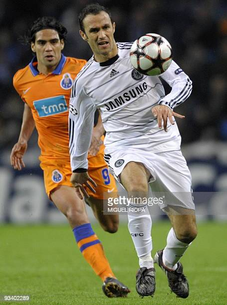 FC Porto's forward Radamel Falcao of Brazil runs for the ball with Chelsea FC´s defender Ricardo Carvalho of Portugal during their UEFA Champions...