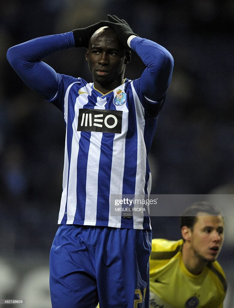 Porto's French defender <a gi-track='captionPersonalityLinkClicked' href=/galleries/search?phrase=Eliaquim+Mangala&family=editorial&specificpeople=5713850 ng-click='$event.stopPropagation()'>Eliaquim Mangala</a> reacts after missing an opportunity to score during the UEFA Champions League group G football match FC Porto vs FK Austria Wien at the Dragao stadium in Porto on November 26, 2013. The match ended in a 1-1 draw. AFP PHOTO / MIGUEL RIOPA