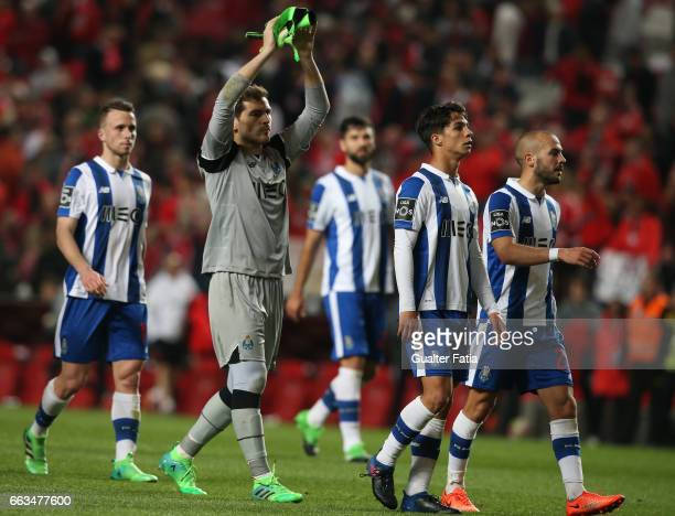 Porto's goalkeeper from Spain Iker Casillas and teammates at the end of the Primeira Liga match between SL Benfica and FC Porto at Estadio da Luz on...