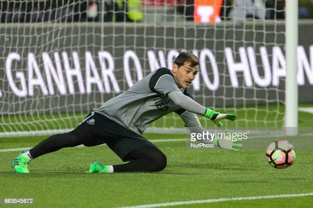 FC Portos goalkeeper Iker Casillas from Spain during warm up match between SL Benfica v FC Porto at Luz Stadium in Lisbon on April 1 2017
