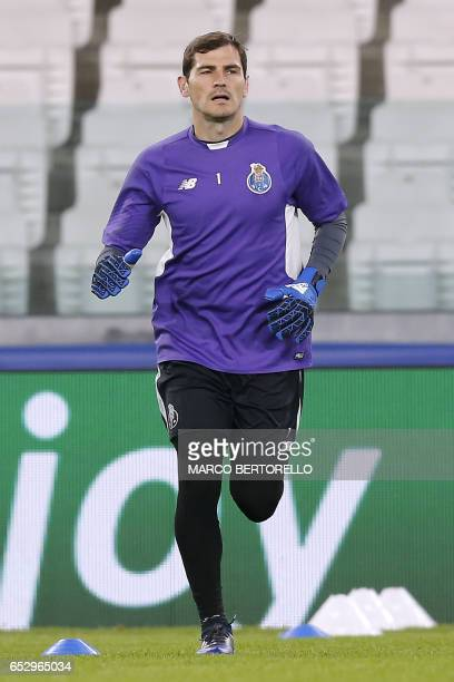 Porto's goalkeeper Iker Casillas from Spain takes part in a training session on the eve of the UEFA Champions League football match Juventus Vs FC...
