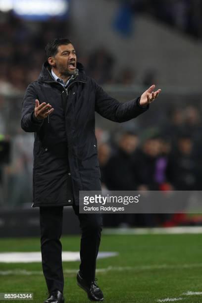 PortoÕs head coach Sergio Conceicao from Portugal during the FC Porto v SL Benfica Primeira Liga match at Estadio do Dragao on Dezember 01 2017 in...