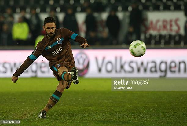 Porto's mexican defender Miguel Layun in action during the Primeira Liga match between Vitoria de Guimaraes and FC Porto at Estadio D Afonso...