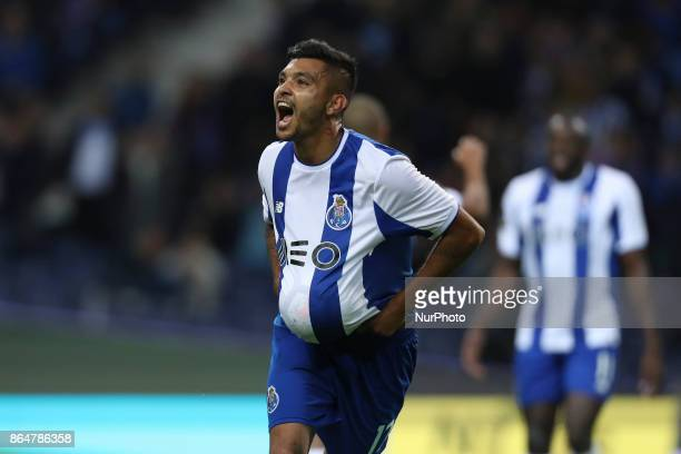Porto's Mexican forward Jesus Corona celebrates after scoring goal during the Premier League 2017/18 match between FC Porto and FC Pacos de Ferreira...