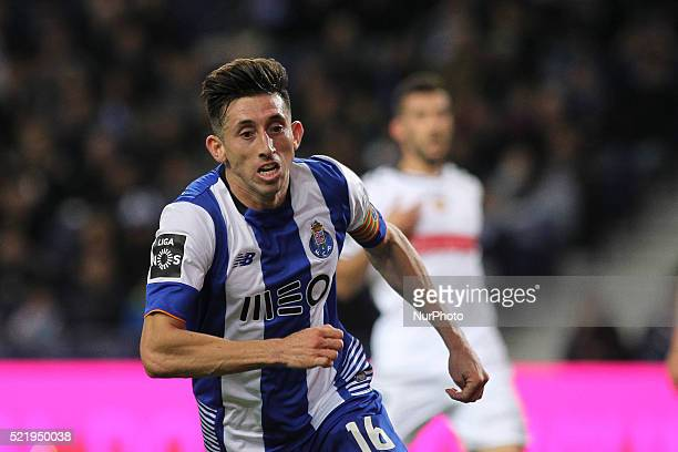 Porto's Mexican midfielder Héctor Herrera celebrates after scoring goal during the Premier League 2015/16 match between FC Porto and CD Nacional at...