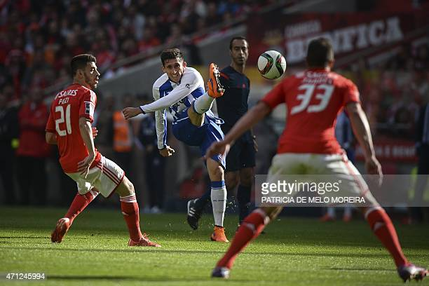 FC Porto's Mexican midfielder Hector Herrera kicks the ball during the Portuguese league football match SL Benfica vs FC Porto at Luz stadium in...
