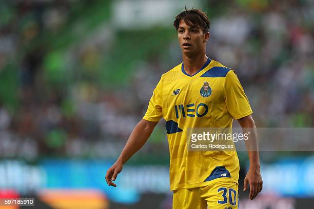 Porto's midfielder from Spain Oliver Torres during the Portuguese Primeira Liga between Sporting CP and FC Porto at Estadio Jose Alvalade on August...