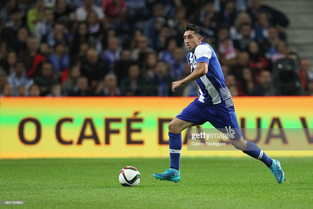 Porto's midfielder Hector Herrera during the match between FC Porto and Vitoria Guimaraes for the Portuguese Primeira Liga at Estadio do Dragao on...