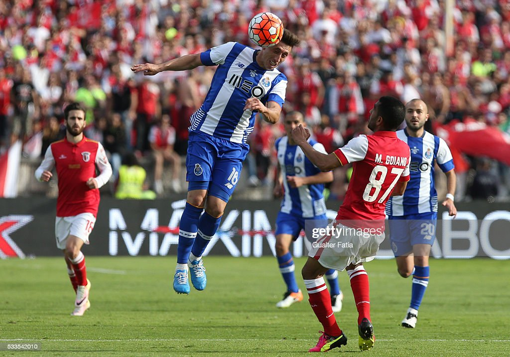 FC Porto's midfielder Hector Herrera in action during the Portuguese Cup Final match between FC Porto and SC Braga at Estadio Nacional on May 22, 2016 in Lisbon, Portugal.