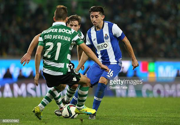 Porto's midfielder Hector Herrera in action during the Primeira Liga match between Sporting CP and FC Porto at Estadio Jose Alvalade on January 2...