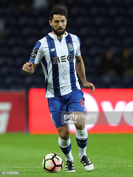 Porto's PortuguePorto's Brazilian defender Felipe during Premier League 2016/17 match between FC Porto and FC Arouca at Dragao Stadium in Porto on...