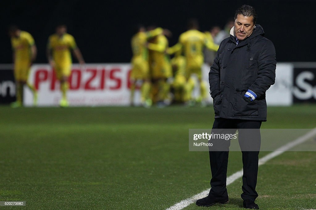 Porto's Portuguese head coach José Peseiro during the Premier League match between Pacos Ferreira and FC Porto, at Mata Real Stadium in Paços de Ferreira on April 10, 2016.