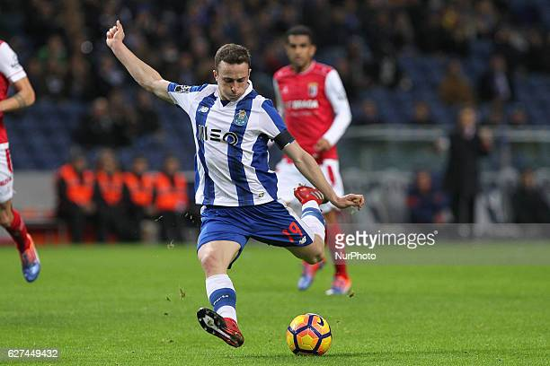 Porto's Portuguese midfielder Diogo Jota during the Premier League 2016/17 match between FC Porto and SC Braga at Dragao Stadium in Porto on December...