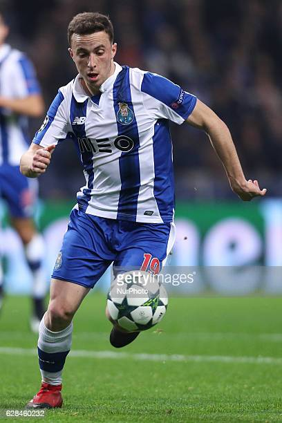 Porto's Portuguese midfielder Diogo Jota in action during the UEFA Champions League Group G match between FC Porto and Leicester City FC at Dragao...