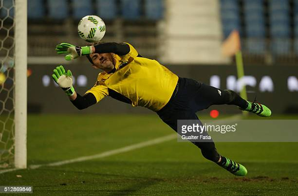 Porto's spanish goalkeeper Iker Casillas in action during warm up for the Primeira Liga match between Os Belenenses and FC Porto at Estadio do...
