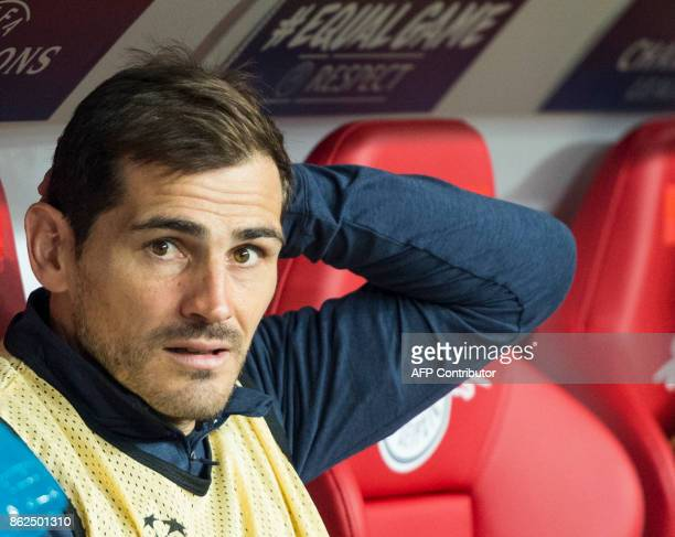 Porto´s Spanish goalkeeper Iker Casillas sits on the banch during the UEFA Champions League group G football match RB Leipzig v FC Porto in Leipzig...