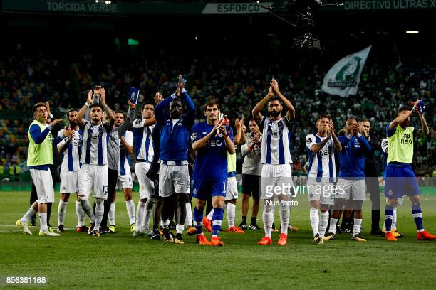 Porto's team applaud the supporters at the end of of the Primeira Liga 2017/18 match between Sporting CP vs FC Porto in Lisbon on October 01 2017