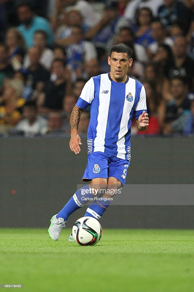Porto's Uruguayan defender <a gi-track='captionPersonalityLinkClicked' href=/galleries/search?phrase=Maxi+Pereira&family=editorial&specificpeople=4500885 ng-click='$event.stopPropagation()'>Maxi Pereira</a> during the pre-season friendly between FC Porto and Napoli at Estadio do Dragao on August 8, 2015 in Porto, Portugal.