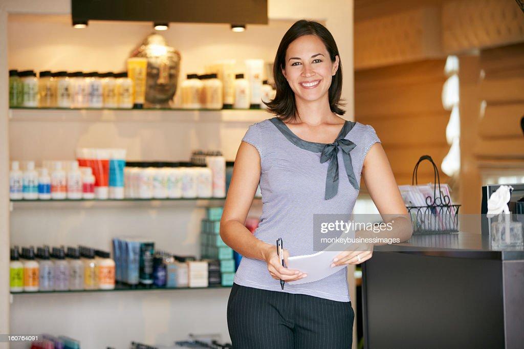 Portrait Beauty Product Shop Manager : Stock Photo