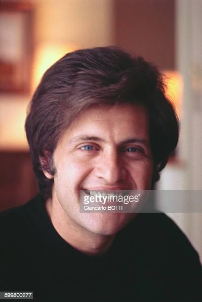 Portrait de Joe Dassin en 1970 en France