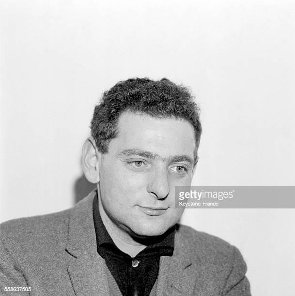 Portrait de l'écrivain Georges Perec à Paris France le 22 novembre 1965