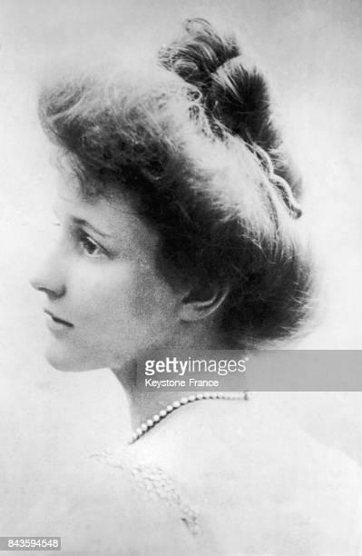 Portrait de Nancy Langhorne Shaw future femme de Waldorf Astor le 21 octobre 1919