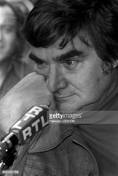 Portrait de Pierre Salinger journaliste en mars 1976 à Paris France