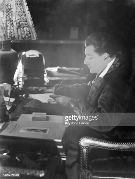 Portrait de Sacha Guitry à Paris France circa 1920