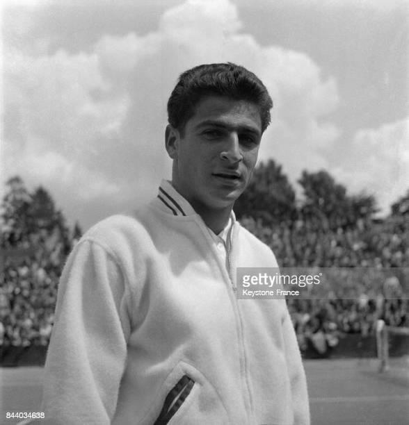 Portrait du français Pierre Darmon lors de la demifinale de la coupe Davis entre la France et l'Italie à RolandGarros à Paris France le 15 juin 1956