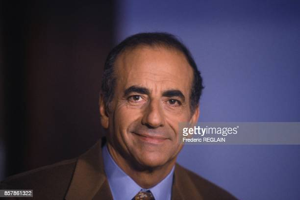 Portrait du journaliste JeanPierre Elkabbach en octobre 1993 a Paris France