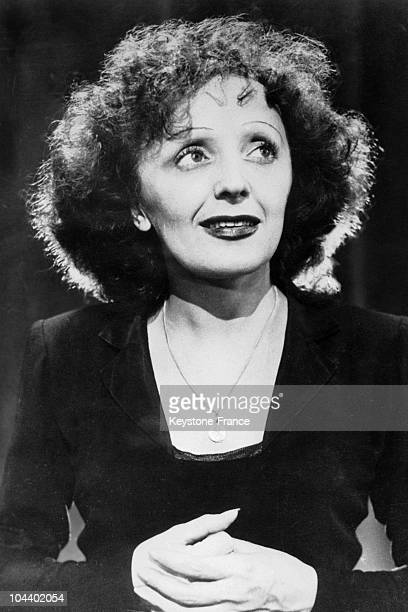 Portrait in 1947 of the French singer Edith PIAF who had just had a resounding success for a series of concerts presented at the PLAYHOUSE in New York
