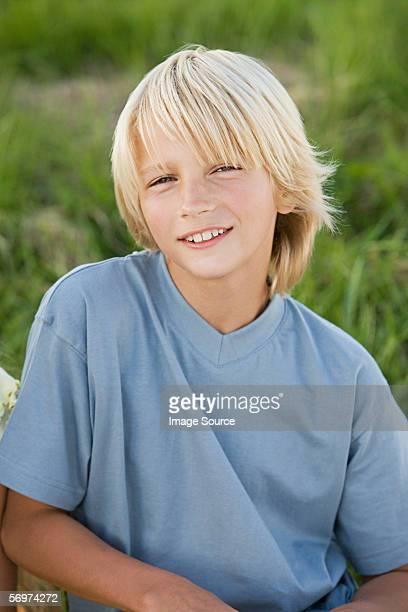 Porträt von eine blonde Junge