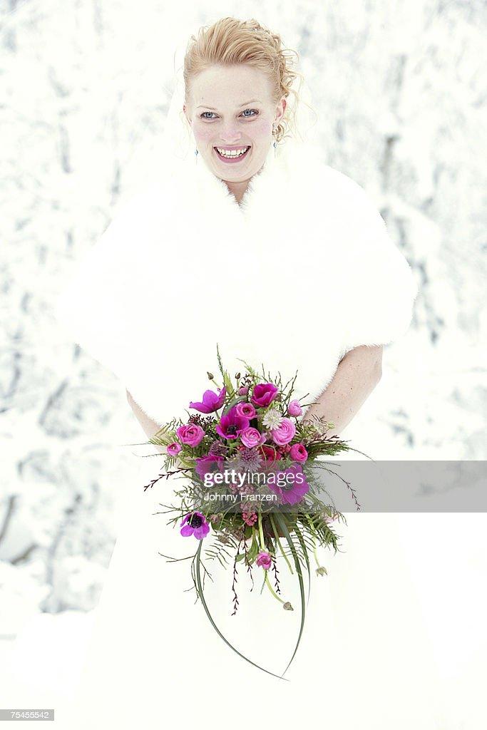 Portrait of a bride in the winter.
