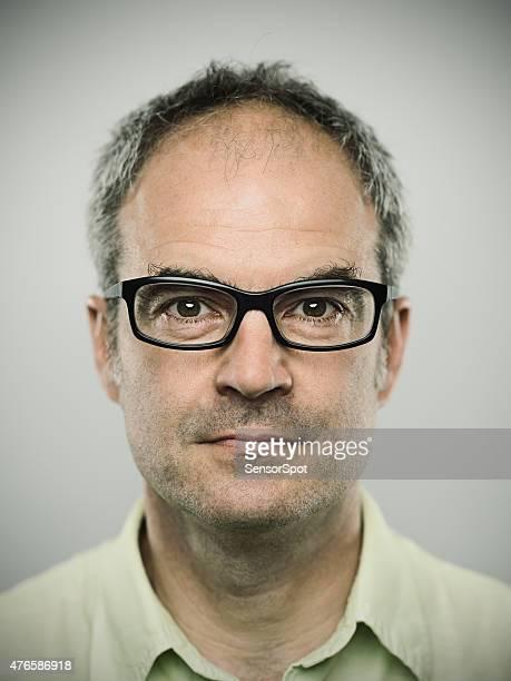 Portrait d'un homme Caucasien real