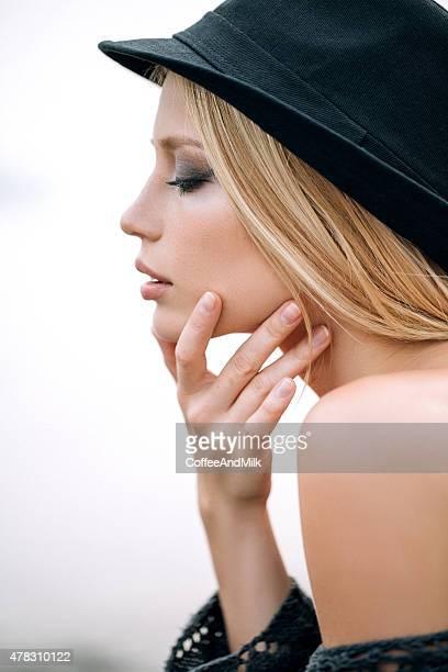 Porträt einer frischen und schönen Frau
