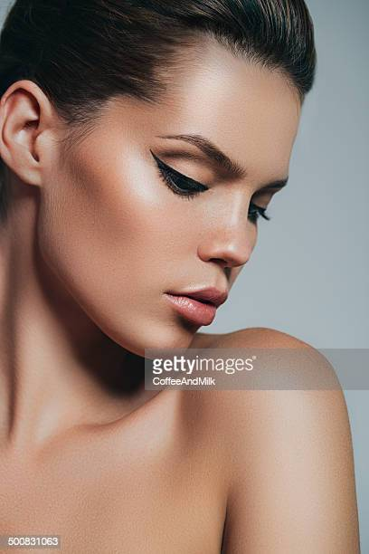 Retrato de fresca y hermosa mujer