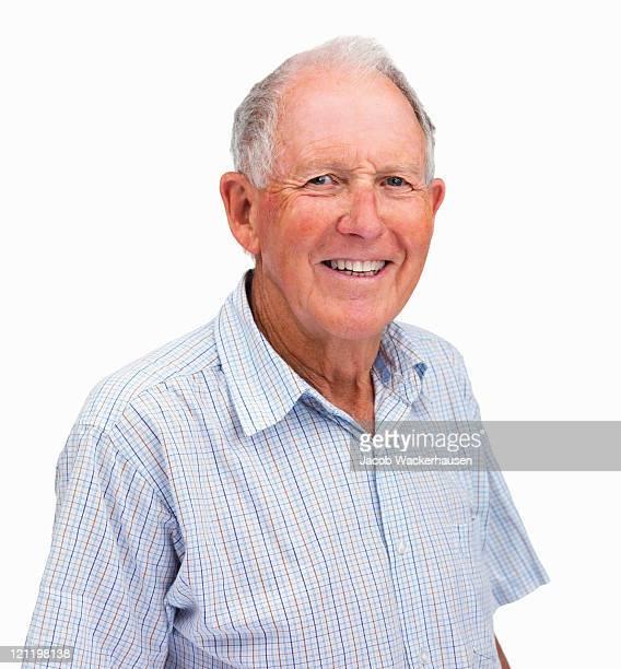 Retrato de un senior hombre feliz Aislado en blanco
