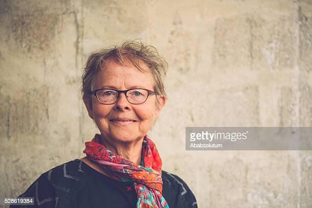 Portrait de l'heureuse Femme âgée, Paris, France