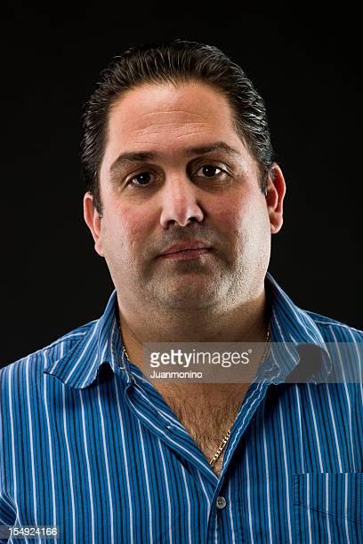 Retrato de um homem Hispânico na sua thirties