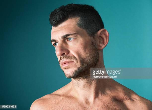 Retrato de un hombre que hace vulnerables