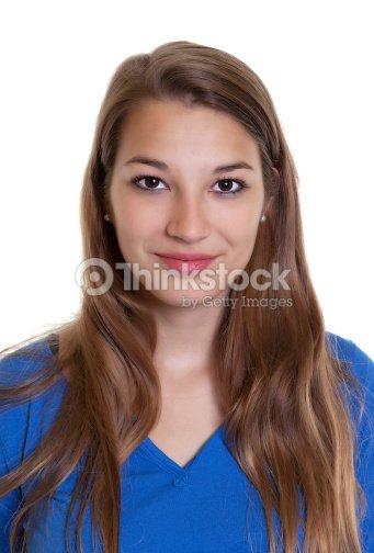77776a1a2 Retrato De Uma Mulher Sorridente Em Uma Camisa Azul Foto de stock ...